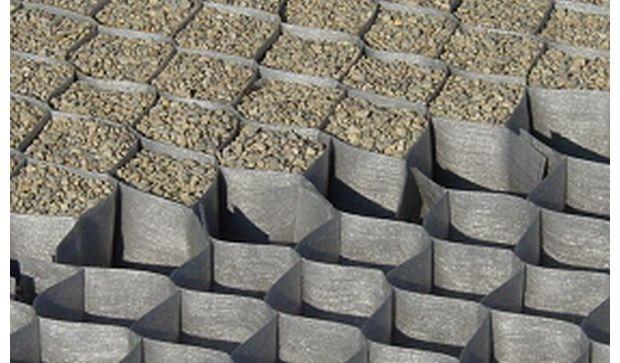 Stabilna nawierzchnia z DuPont™ GroundGrid™