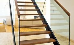 Schody gotowe. Wybierz schody drewniane lub schody metalowe z katalogu
