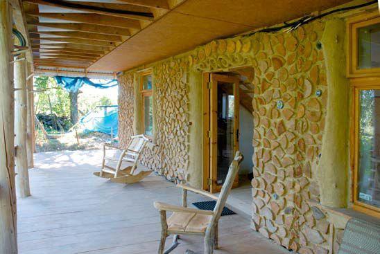 Dom o konstrukcji drewnianej samonośnej przeznaczony na cele mieszkalne