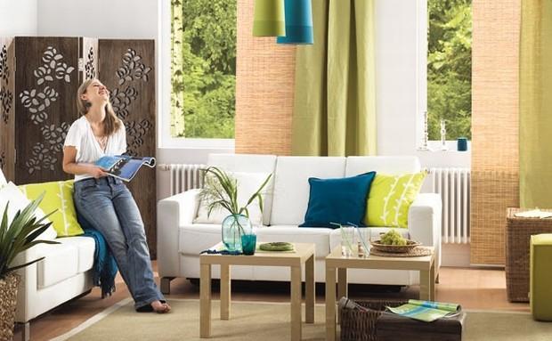 Aranżacja salonu w naturalnych kolorach