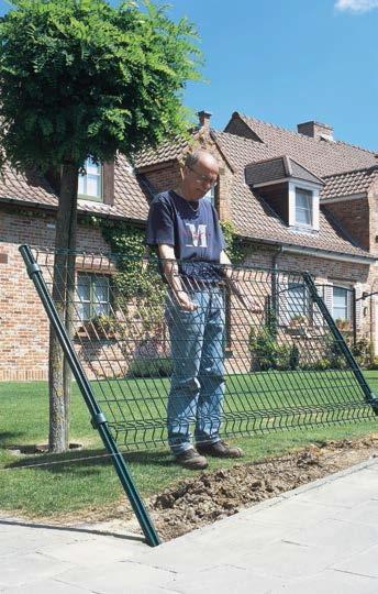 Montaż ogrodzenia metalowego z paneli
