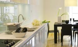Szkło do kuchni - jakie szkło nad blatem w kuchni?