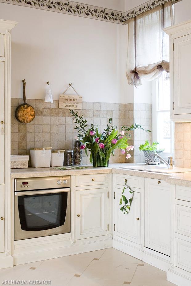 Kuchnia prowansalska  piękna aranżacja białej kuchni w   -> Kuchnia Prowansalska Aranżacja
